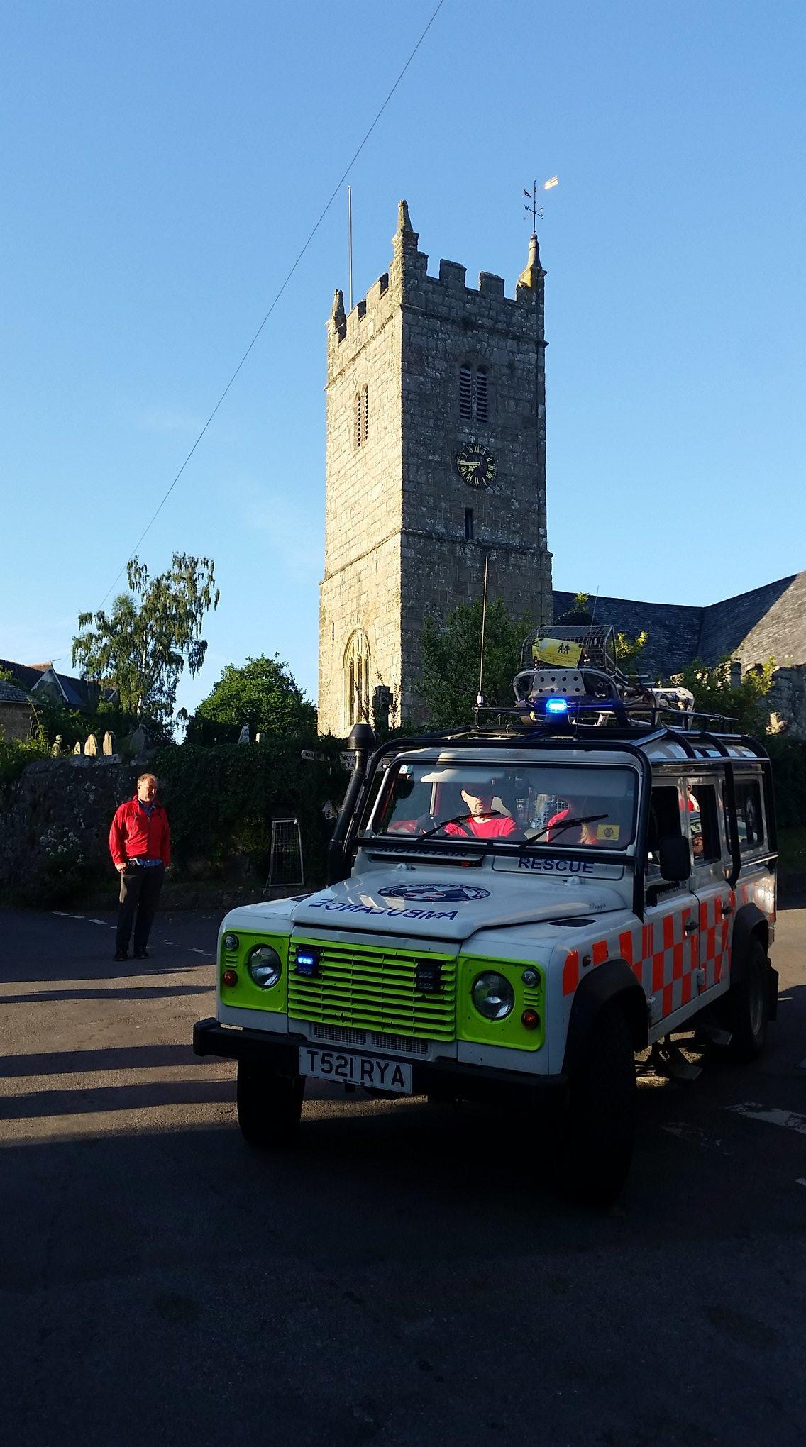 Dart62 Landrover ambulance at Lustleigh church